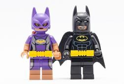 An image showing a Batwoman and a Batman Lego figurine