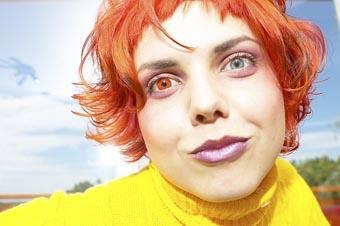 Wearing two different coloured contact lenses