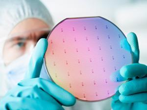 Reclaimed-silicon-waferiStock000015524880Large300tb