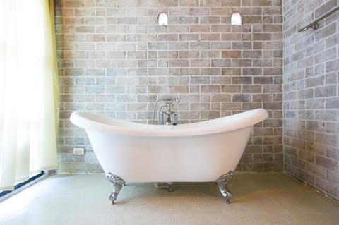 An old bath tub